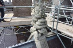 Het beeld van het visoen van de moeder van Willibrordus bij de transkapellen rond de apsis van de nieuwe Bavo.